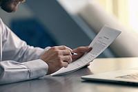 individueller Mietvertrag für eine Ferienwohnung/Pension vom Fachanwalt ausgearbeitet [(c) Africa Studio / Adobe Stock]